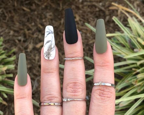 Aycrlic Nails, Stiletto Nails, Glue On Nails, Hair And Nails, Coffin Nails, Pointed Nails, Summer Acrylic Nails, Cute Acrylic Nails, Cute Acrylic Nail Designs