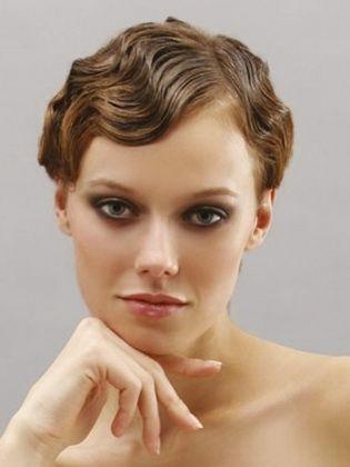 Retro Style Frisuren Machen Es Sich Selbst Zu Hause Kurz Haar Frisuren Hochzeit Frisuren Kurz Haar Styling Brautfrisur