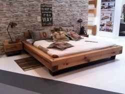 Holzbett selber bauen balken  Massiv Bett aus Eiche. Dicke Balken werden zum unzerstörbaren ...