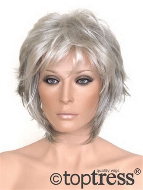 Short Hair Styles For Older Women 2017 Easy Care için resim sonucu Bobs For Thin Hair, Short Thin Hair, Short Hair Styles Easy, Short Hair With Layers, Short Hair Cuts, Curly Hair Styles, Pixie Cuts, Short Pixie, Medium Hair Styles For Women With Layers