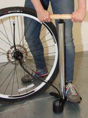 How To Change An Inner Tube Road Bike Gear Tube Change