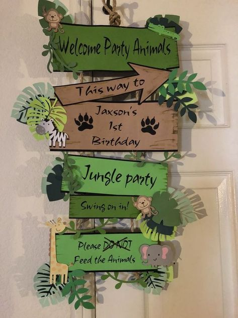 Jungle Party - Tips & Ideas for Children& Birthdays with Jungle Theme - Par . - Jungle party – tips & ideas for children& birthday parties with a jungle theme – party ga - Safari Theme Birthday, Jungle Theme Parties, Wild One Birthday Party, Safari Birthday Party, Animal Birthday, Birthday Board, Themed Parties, Birthday Ideas, Birthday Parties