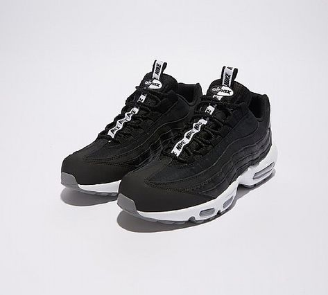 Nike Air Max 95 SE Trainer  df81e6575d