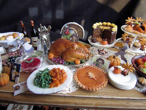 Miniature Roasted Turkey on Platter wi Garnish #F289 Bright Delights