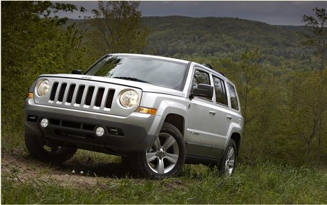 Jeep Compass And Patriot 2013 In Quest Of Identity With Images