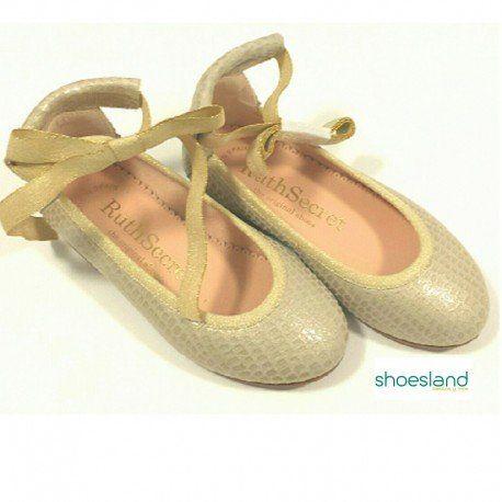 72479a74a1 Espectacular bailarina para niña de piel dorada con lazo al tobillo de Ruth  Shoes ideal para