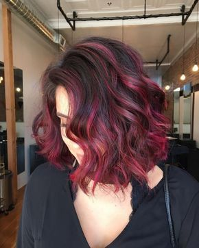 Red Magenta Balayage Hair Style For Short Hair Fotos