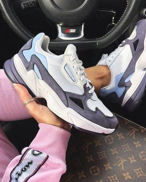Ultime coup de c  ur pour ces baskets Adidas Falcon bleues          Baskets Adidas Falcon Blue Shady  dispo sur RunBabyRun    Click to Shop  #adidas #adidasfalcon #sneakers #adidasshoes #falcon #kicks #runbabyrun #blueshoes