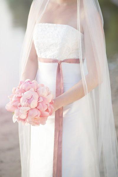 Hochzeitskleider - Brautkleid, schlichtes Hochzeitskleid in Empire... - ein Designerstück von noni-mode bei DaWanda