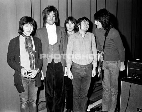 The Faces,1970. l-r Kenney Jones, Rod Stewart, Ian McLagan, Ronnie Lane and Ron…