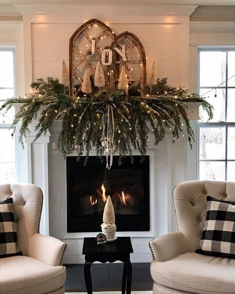 Embellish your Christmas fireplace with these amazing decorations that will give your home a cozy feel. We included simple DIY ideas to match any taste, from a rustic and vintage garland to elaborate and modern mantle décor. Source by Fashion Ideas Christmas Mantels, Noel Christmas, Rustic Christmas, Christmas Wreaths, Modern Christmas Decor, Advent Wreaths, Xmas, Christmas Fireplace Decorations, Christmas Decir