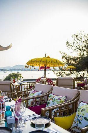 25+ Spectacular Beach Restaurant Interior Exterior Design Ideas | Inspira Spaces