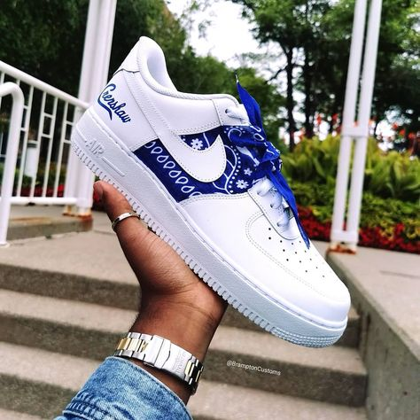 Who can guess what rapper these Crenshaw AF1's are for 🤔 💭 ▪️DM us for a pair in your size 🔌 ▪️Tag a friend that would rock these 🔥🔥