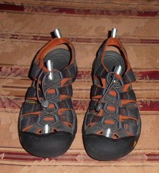 20da85d291b4 Keen grey Sandals. Keen grey Sandals. Maggiori informazioni. Keen Sandals -  Up to 90% off at Tradesy