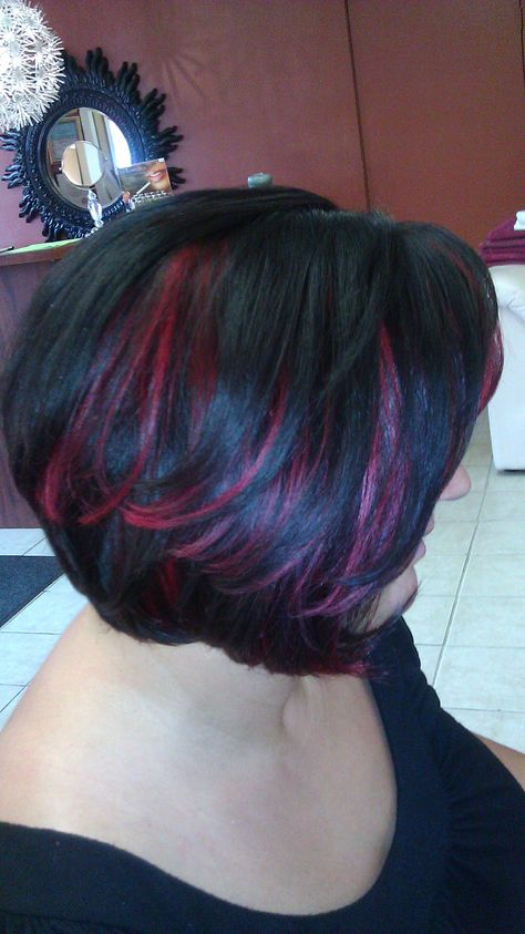 *sigh* I soooo want purple highlights like this!!