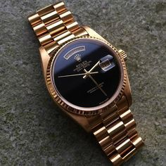 Super clean black on gold Rolex 😍