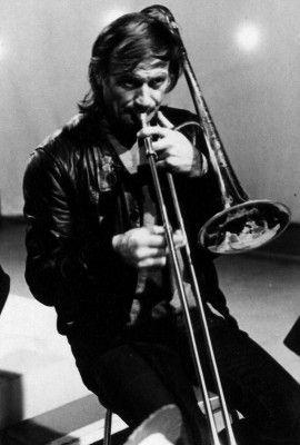 Albert Mangelsdorff - Cool picture of a jazzy trombonist