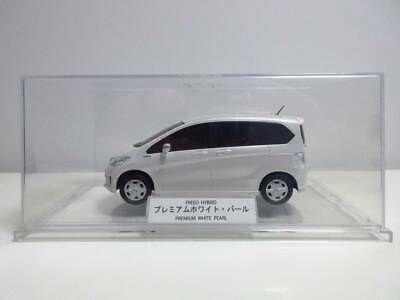 1 24 Honda Dealer Custom Freed Hybrid Freed Premium White Pearl Ebay In 2020 Honda Pearl White Custom