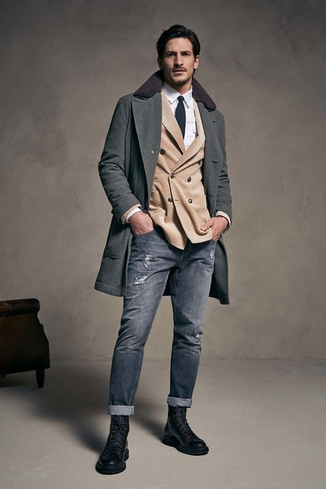 Brunello cucinelli fall 2018 menswear fashion show collection winter outfits for work, casual work outfits