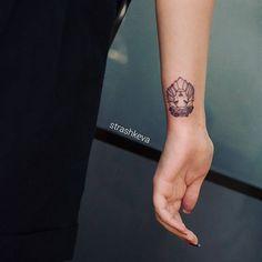 #strashkeva #sketch #tattoo #lion #line #linework #roze #minitattoo #minimalism #beautiful #лев #тату