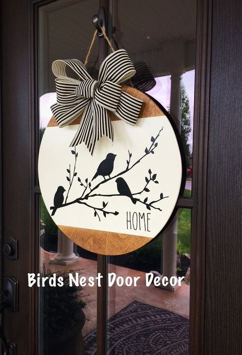 Crafts To Do, Fall Crafts, Holiday Crafts, Holiday Decor, Easy Diy Crafts, Fall Door Hangers, Christmas Door Hangers, Wood Door Hanger, Halloween Door Hangers