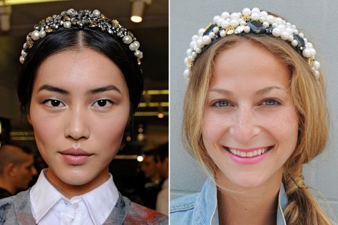 Check out this DIY Dolce & Gabbana beaded headband. Learn how to make this super chic Dolce & Gabbana pearl headband by yourself!