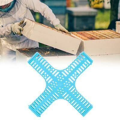 2Pcs Plastic Queen Bee Cage Catcher Trap Beekeeper Beekeeping Equipment 20x2cm