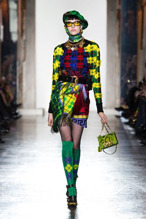 Versace Women Fall/Winter 2018 Collection - a clash of cultures. A clash of cultures that generates friction and contrast