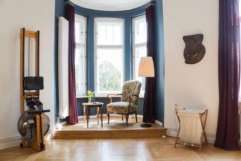 Schlafzimmer Ideen Altbau. gemütliches bett mit decken und kissen ...