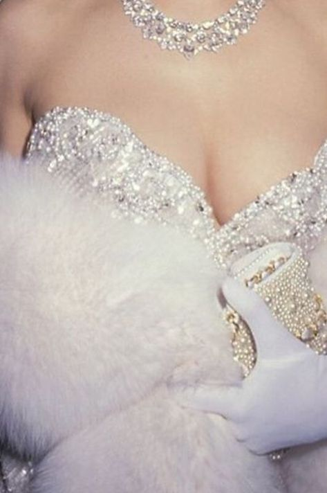 -`E v e r l e i g h '- emma frost aesthetic, the white queen fatale, luxury lifestyle Emma Frost, 1990 Style, Boujee Aesthetic, Queen Aesthetic, Glitz And Glam, Lauren, Rich Girl, Girly, Classy
