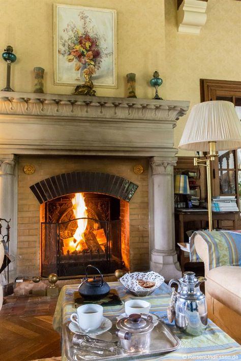 Du wolltest schon immer einmal Schlossherr oder -Frau sein und in einem Schloss leben? Oder einen romantischen Abend am offenen Kamin verbringen? Dann folge mir auf das Chateau de la Presle in der Franche-Comte.