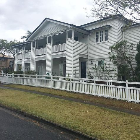 HOME Lovely to be home although Ive been up since 4am. Hope the jet lag wears off soon. Now its time to start putting the multiple loads of laundry on   #myhome #queenslander #whitehouses #goodtobehome #rainyday