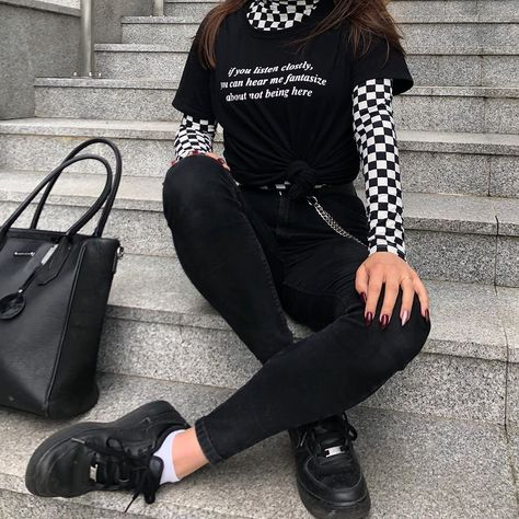 Soft Grunge Outfits, Grunge Dress, Edgy Outfits, Cute Casual Outfits, Retro Outfits, Aesthetic Grunge Outfit, Aesthetic Fashion, Aesthetic Clothes, Tomboy Aesthetic