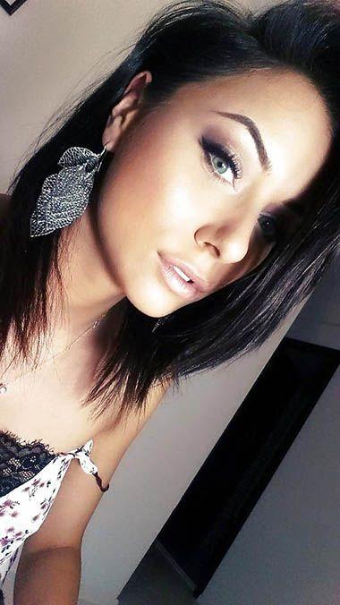 Pin On Skinny Wannabee British Teen Model Nude Uncovered Phone Pics