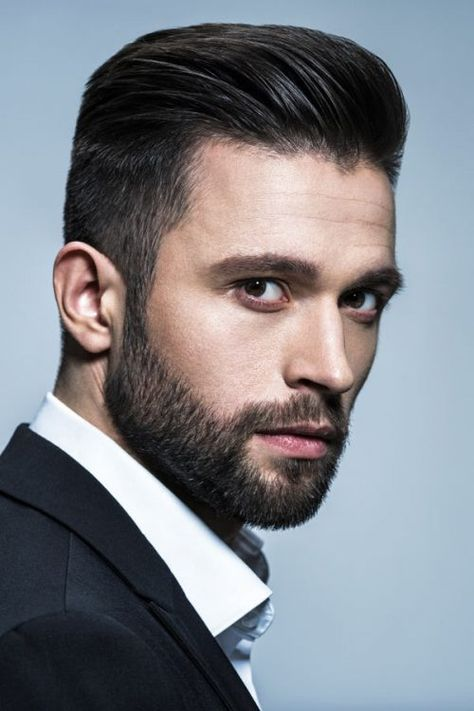 44 Amazing Mens Beard Style Ideas To Make Your Look More Cool Mens Hairstyles With Beard, Haircuts For Men, Medium Hairstyles For Men, Beard Styles For Men, Hair And Beard Styles, Short Beard Styles, Wispy Hair, Ginger Beard, Beard Grooming