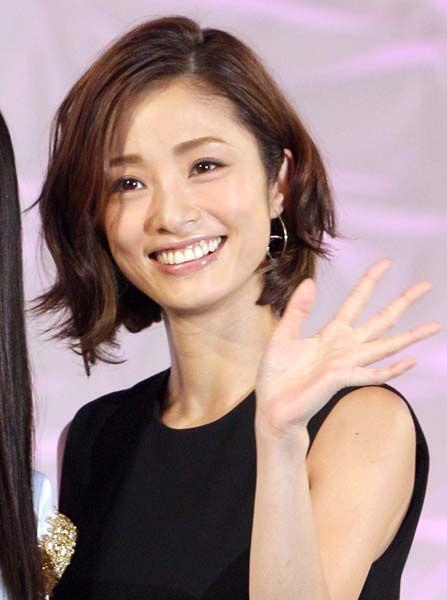 上戸彩、月9ドラマ | 美しいアジア人女性, 女性, 女性俳優