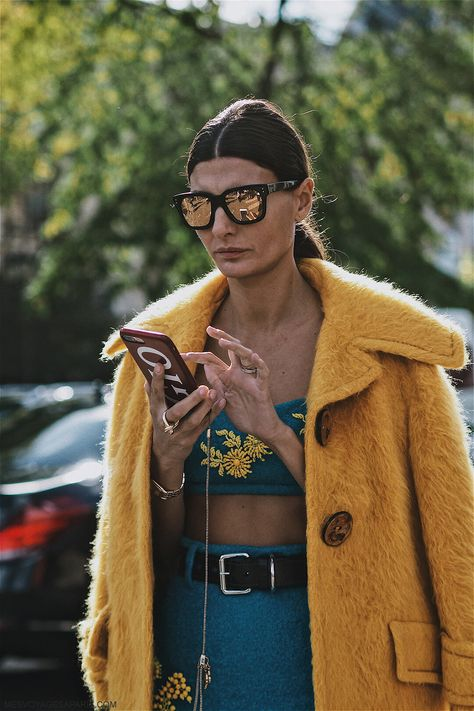 PFW Street Style October pay attention to blue color. Blue outfits and best looks from Paris Fashion Week.
