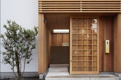 おしゃれな木製玄関ドアを取り入れた事例20選 玄関ドア 玄関 玄関