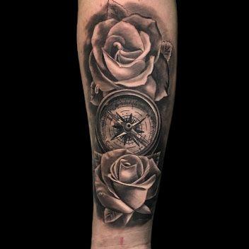 Tatuaje Rosas Y Brujula Tatuajes Tatuaje Brujula Tatuajes Brujula