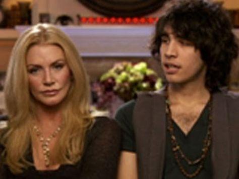 ▶ Gene Simmons: Family Jewels: Traumatizing Nick - YouTube