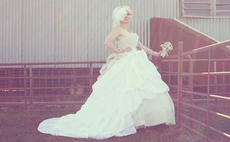 Youll Never Guess What This Wedding Dress is Made Of | Fashion - Yahoo! Shine
