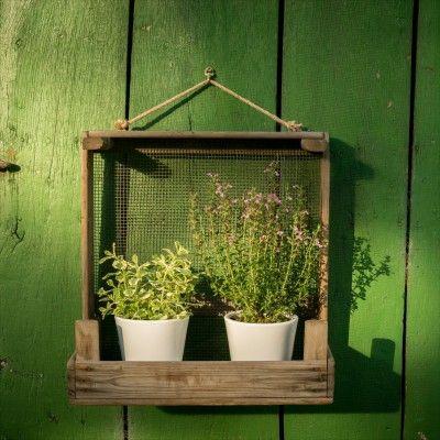 Rustikales Gartenregal Aus Einem Zwiebelsieb Rustikale Gartendekoration Gartenregal Projekte Mit Altem Holz