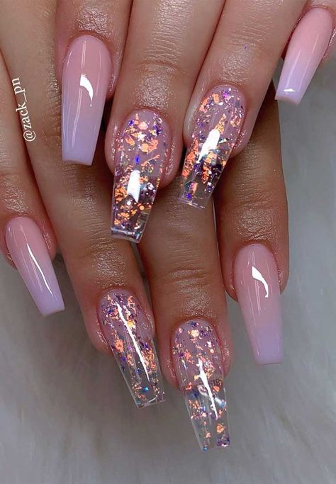 40 Fabulous Nail Designs That Are Totally in Season Right Now - nail art designs,almond nail art design, acrylic nail art, short nail designs with glitter Nails 40 Fabulous Nail Designs That Are Totally In Season Right Now
