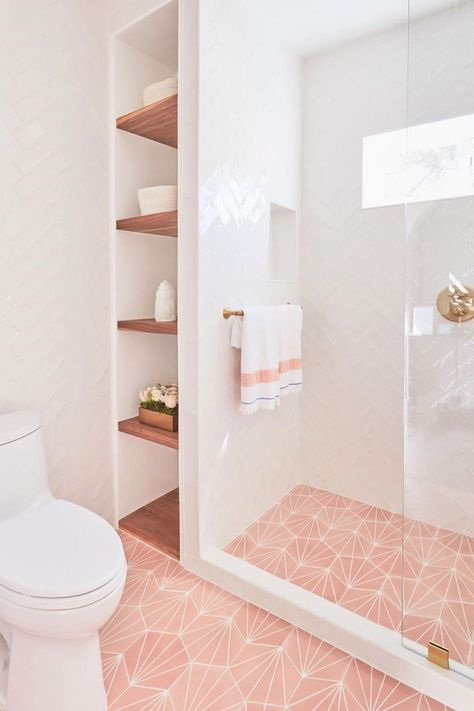 Bathroom Addition, Bathroom Flooring, Gold Bathroom, Bathroom Inspiration, Bathroom Decor, Pink Bathroom, Interior, Bathroom Interior Design, House Interior