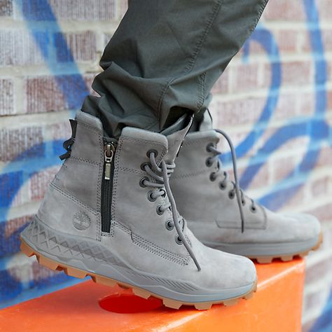 Just when we thought ou Booklyn sneake oots wee pefectly designed, we added a side zip to get you outside faste! Poweed y ecycled plastic ottles, these ae going to ecome this season's go-to pai. Mens Boots Fashion, Sneakers Fashion, Men Sneakers, Mens Boots Style, Casual Sneakers, Side Zip Boots, Nike Air Shoes, Hype Shoes, Fresh Shoes