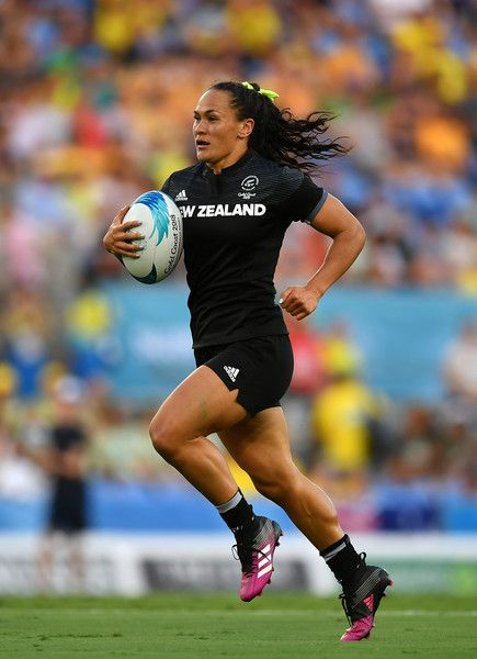 Portia Woodman of New Zealand makes a break during the Rugby Sevens Women's Pool A match between New Zealand and Kenya on day nine of the Gold Coast 2018 Commonwealth Games at Robina Stadium on April 2018 on the Gold Coast, Australia.