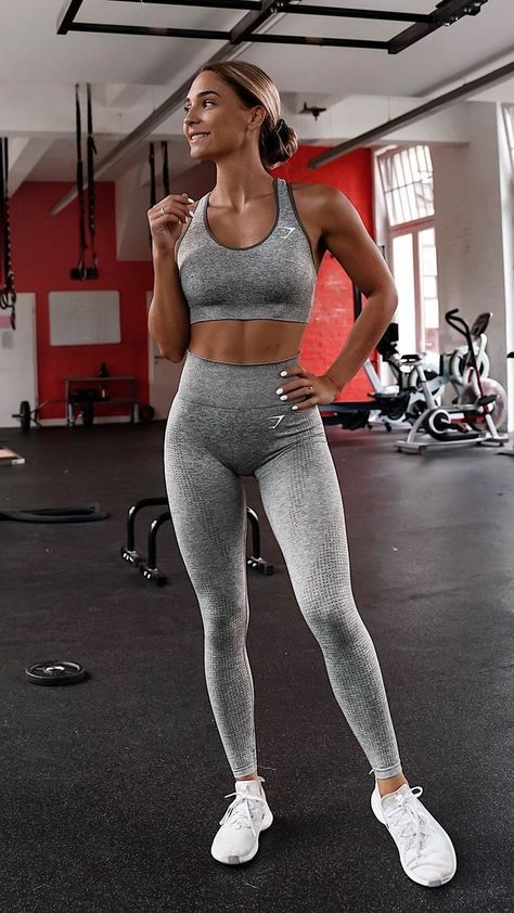 Bombshell Fashion trends and outfits for sale Bombshell Fashion trends and outfits for sale Michaela Schiffer michaelamariatheresa Gym outfit inspo Leggings yoga poses art namaste inspiration for nbsp hellip Cute Gym Outfits, Yoga Outfits, Sport Outfits, Fashion Outfits, Fall Outfits, Lulu Lemon, Workout Attire, Workout Wear, Workout Outfits