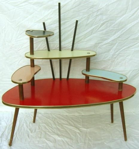 Atomic Age Eames Era Multicolour Plant Display Coffee Table: so funky for a basement rec-room remodel! Mid Century Modern Decor, Mid Century Modern Furniture, Mid Century Design, Vintage Design, Vintage Decor, Vintage Furniture, Plywood Furniture, Mcm Furniture, Furniture Design