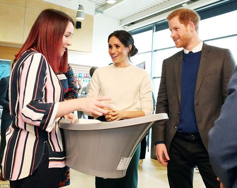 Meghan And Harry Arrive In Belfast For First Northern Ireland Trip Prince Harry Prince Harry Photos Prince Harry Meghan