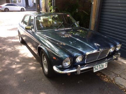 Jaguar V8 1985 Xj Sovereign 5 7 Chev Cars Vans Utes Gumtree Australia Inner Sydney Rushcutters Bay 1175847289 British Cars Jaguar Compare Cars